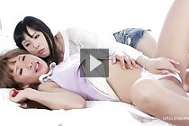 Yokoyama Natsuki and Hotsuki Natsume kiss and masturbate